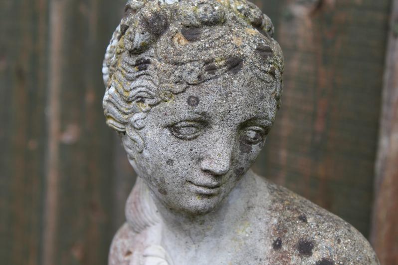 statue-2772179_1280